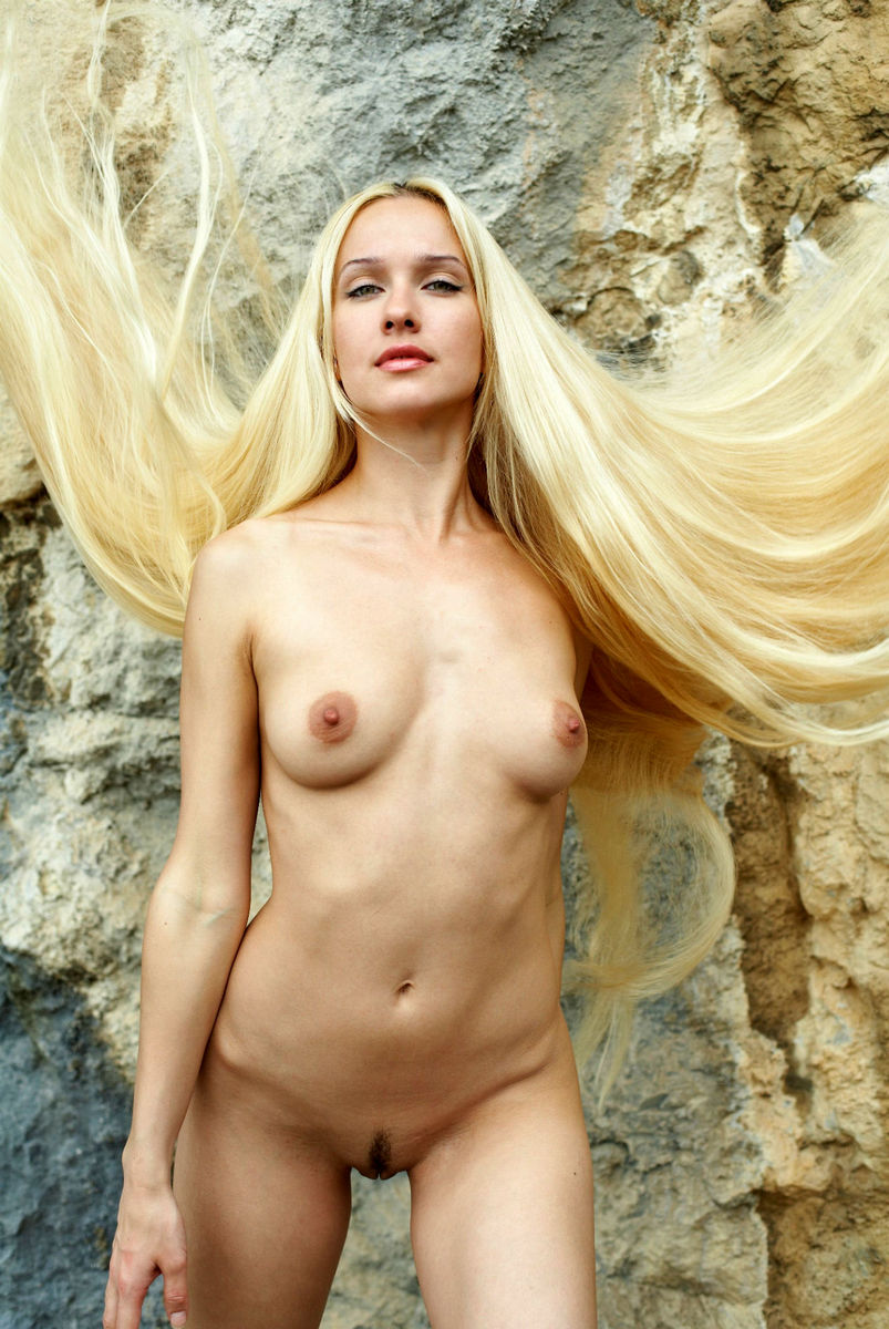 blonde girls Hot nude russian