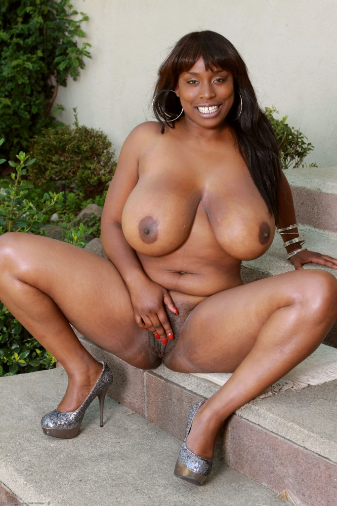nice-black-female-stars-nude