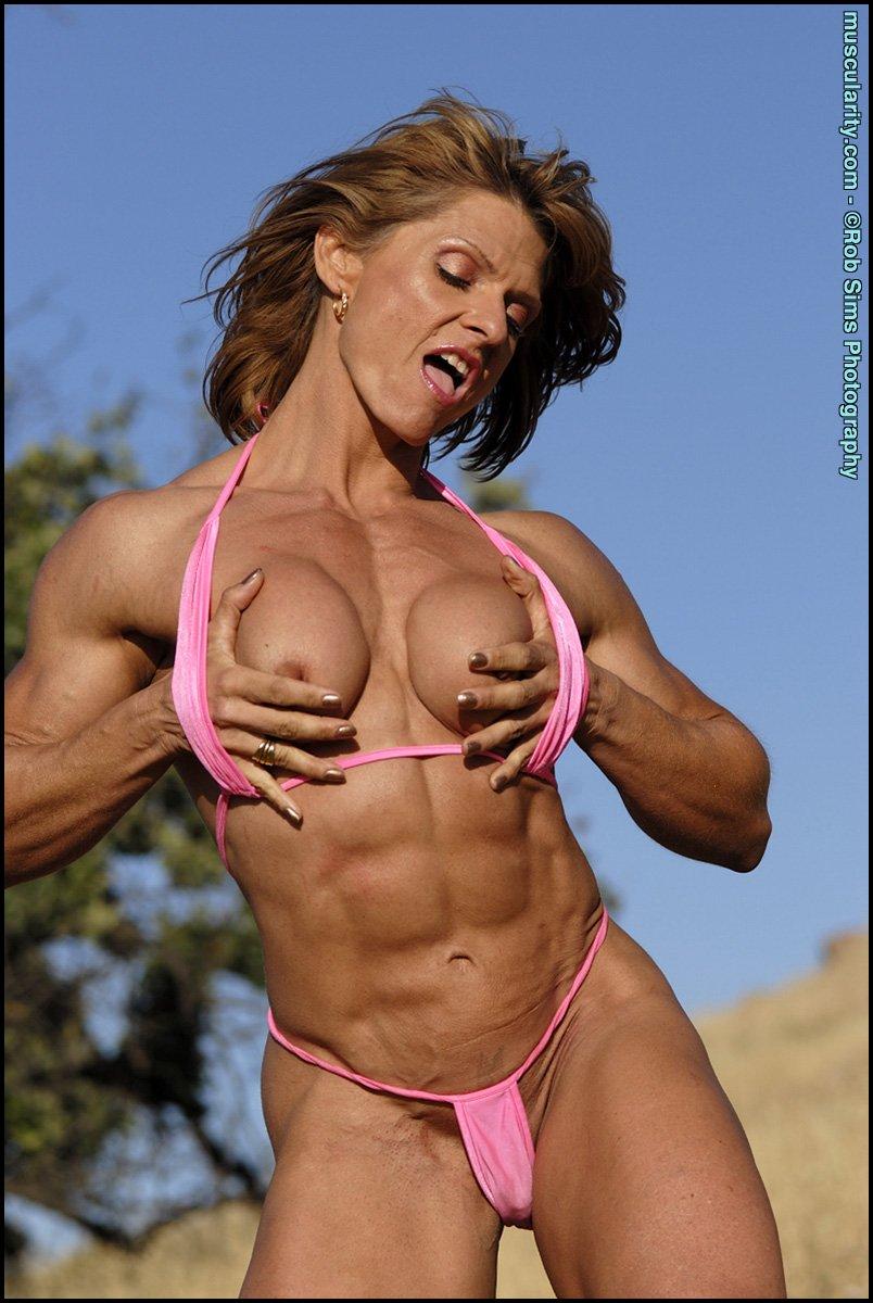 muscle girls Bikini