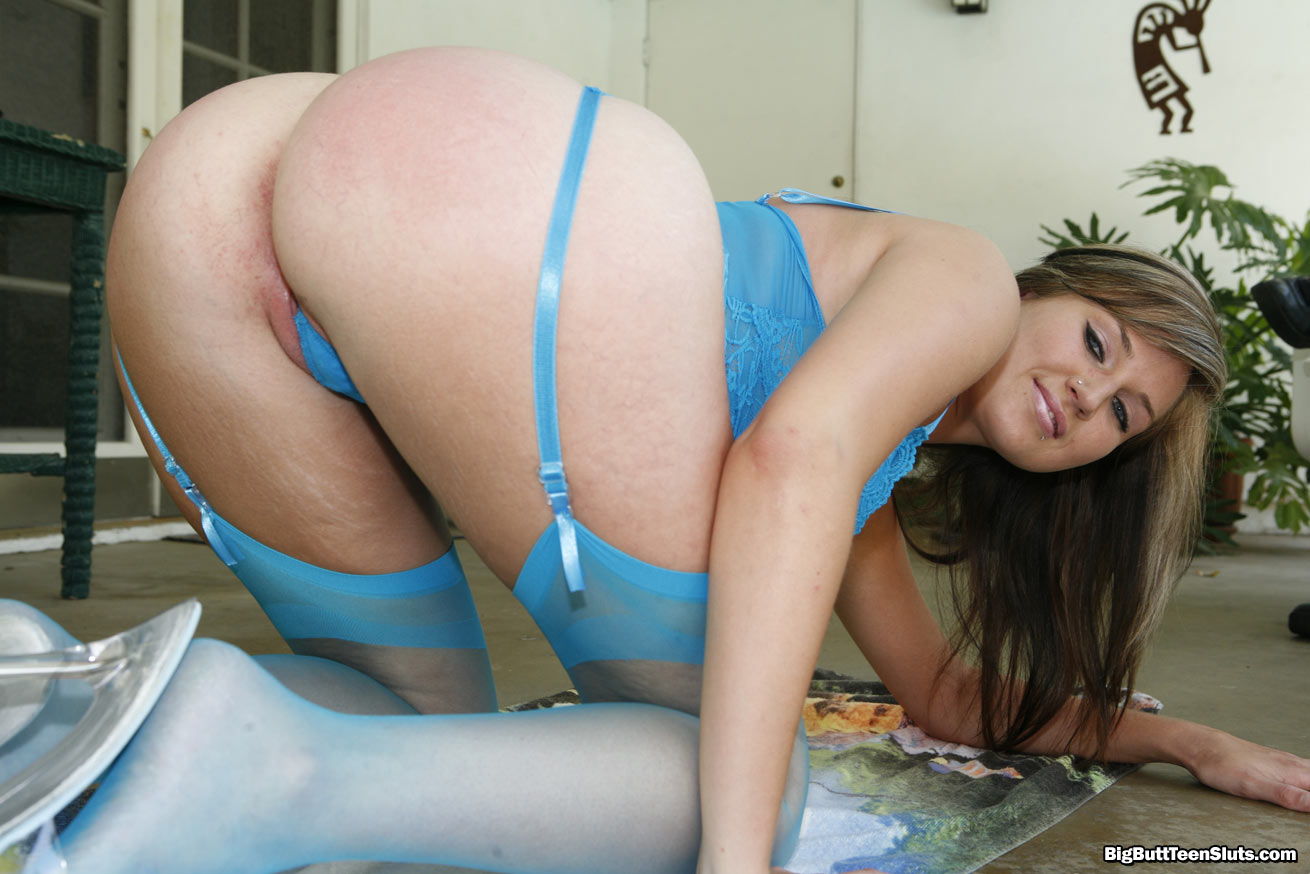 ass a giant Girl with
