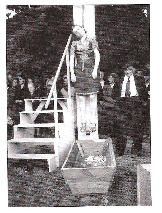 female execution Angolian
