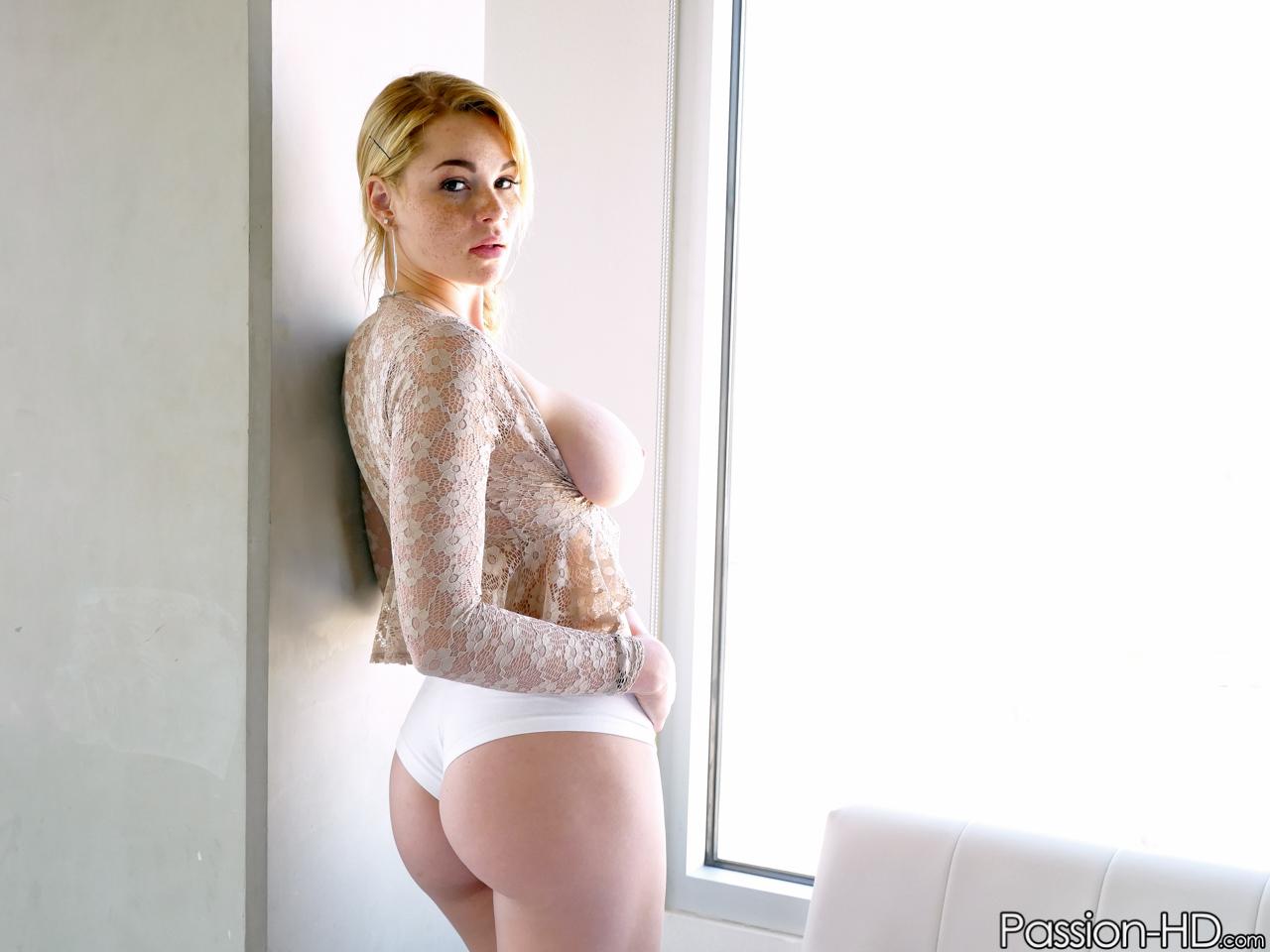 girls Spectacular boobs naked