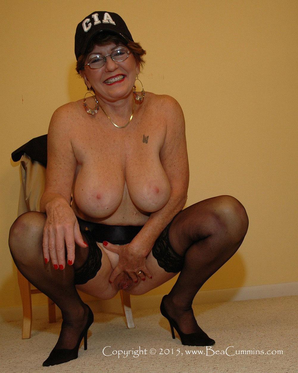 Anal Cummins Granny Bea