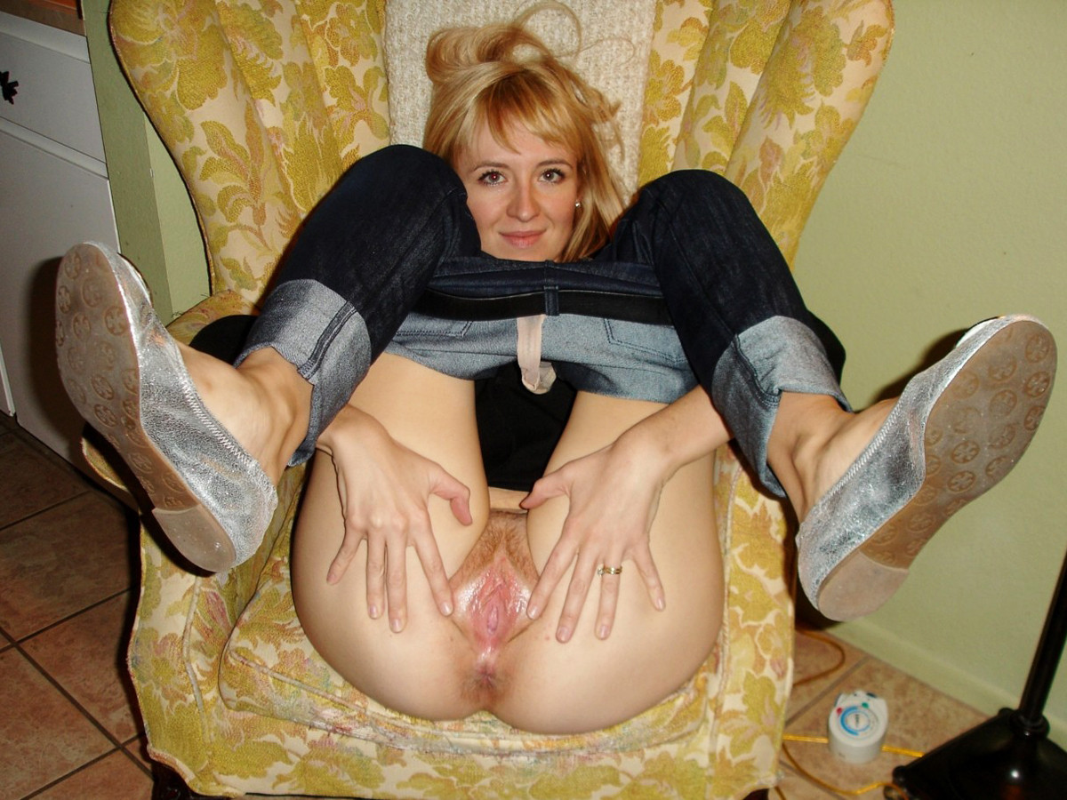 spreads wide milf open wife Hot legs