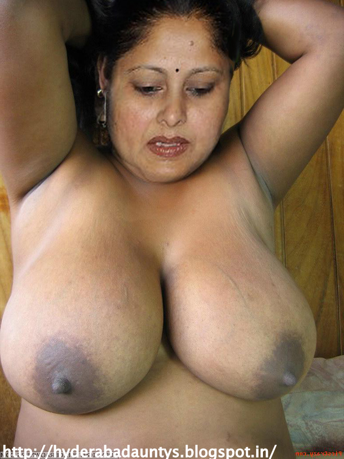 aunties Hot boobs indian