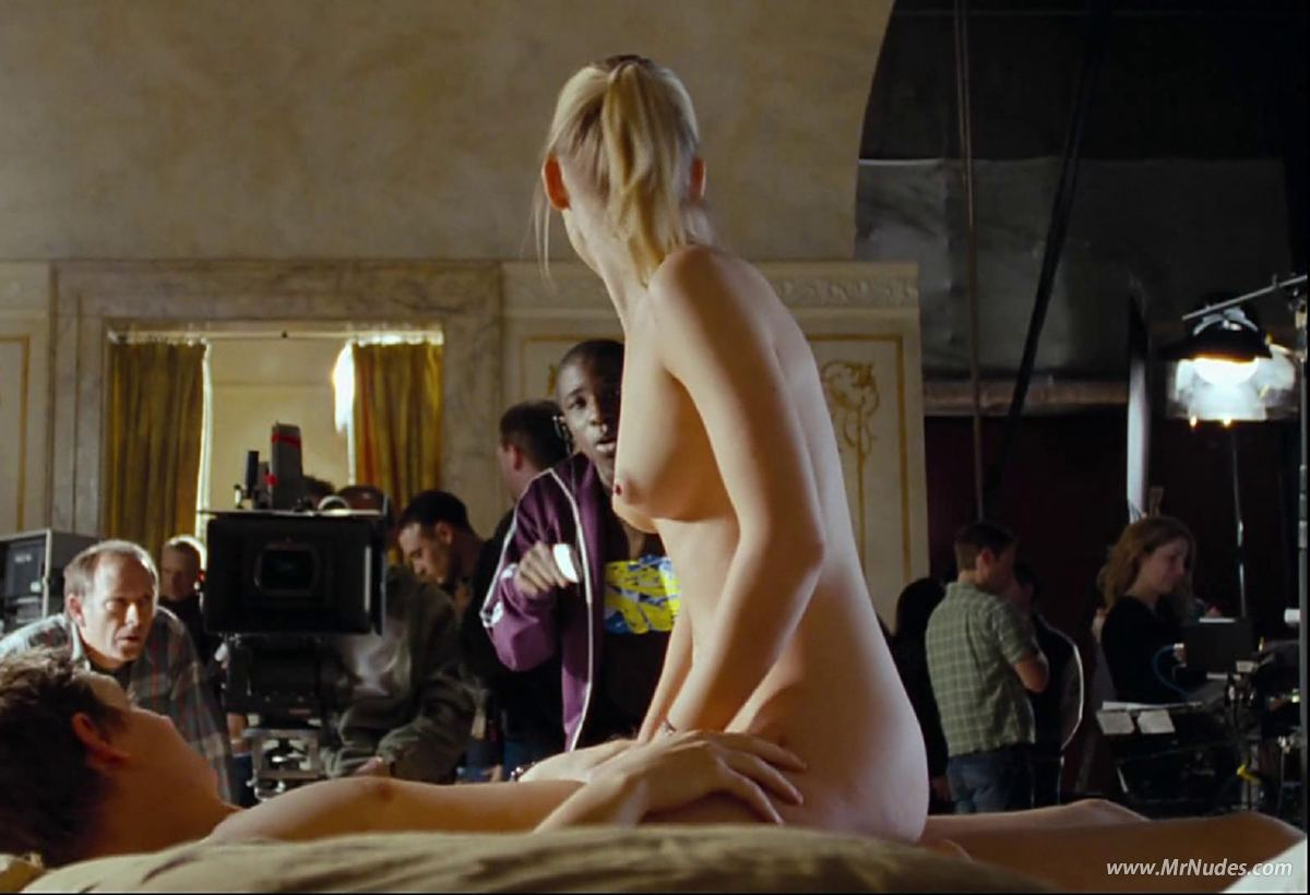 nude Joanna page