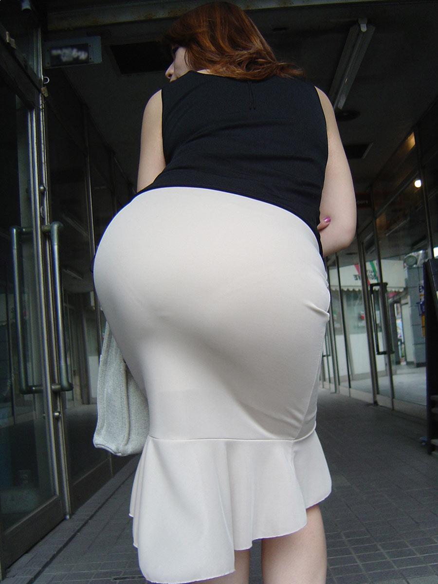 tight short skirt Hot girl