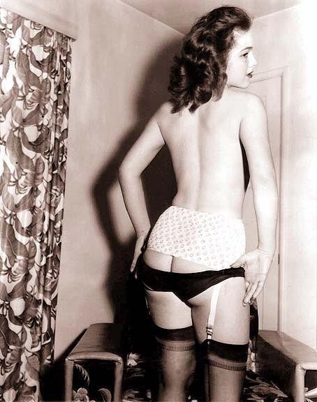 lingerie in women retro Vintage nude
