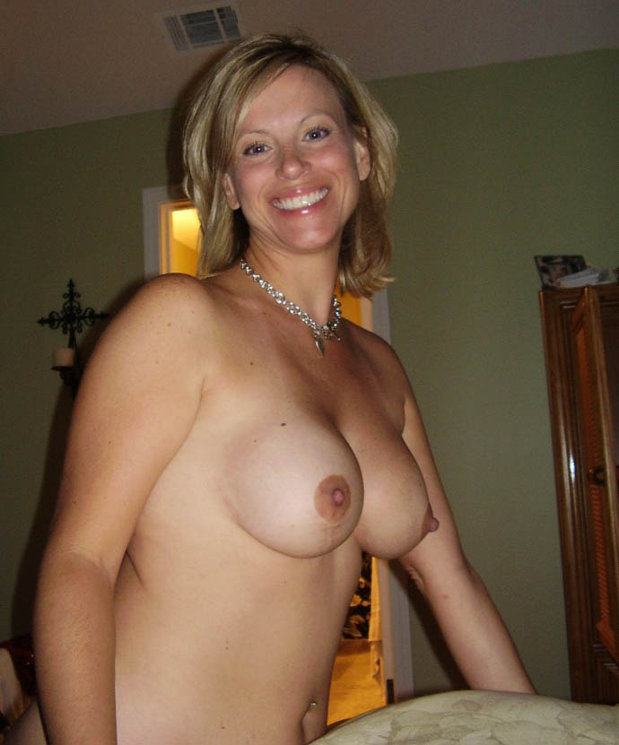 naked blonde nude Hot housewife