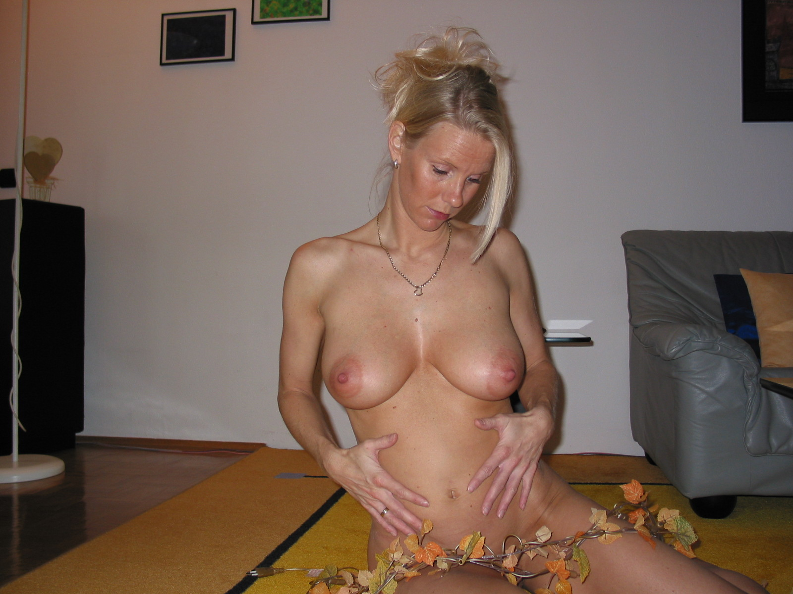 What result? Sexy blonde naked mom