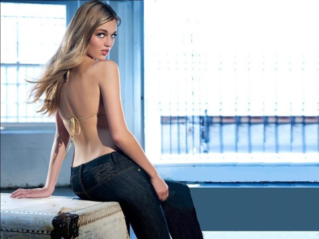 sexy girl Hot amish