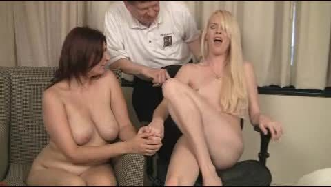 Shemale on female cumshots