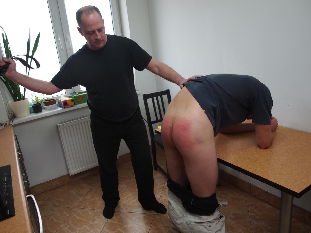 man spank Gay