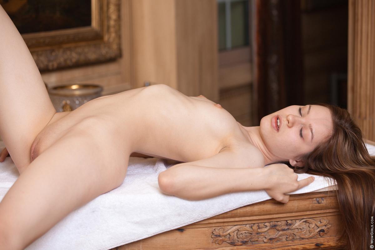 nude Wow girls