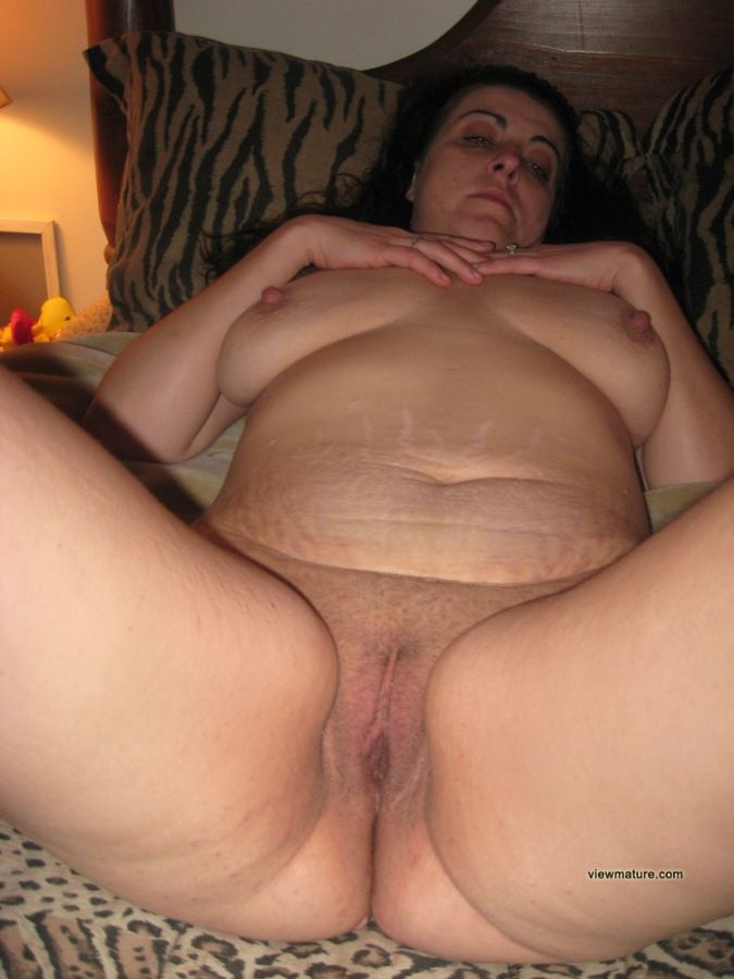 pussy Naked shaved mom