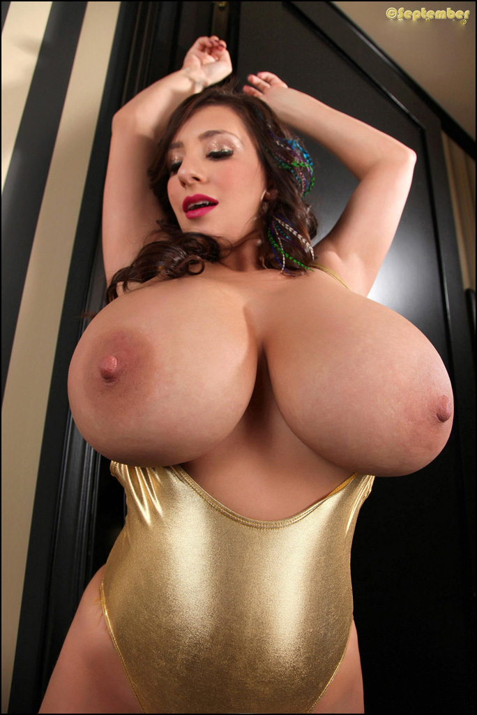 carrino september Busty sexy
