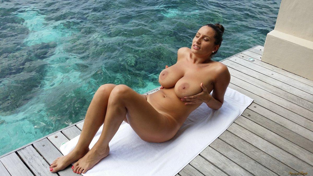paradise Big tits