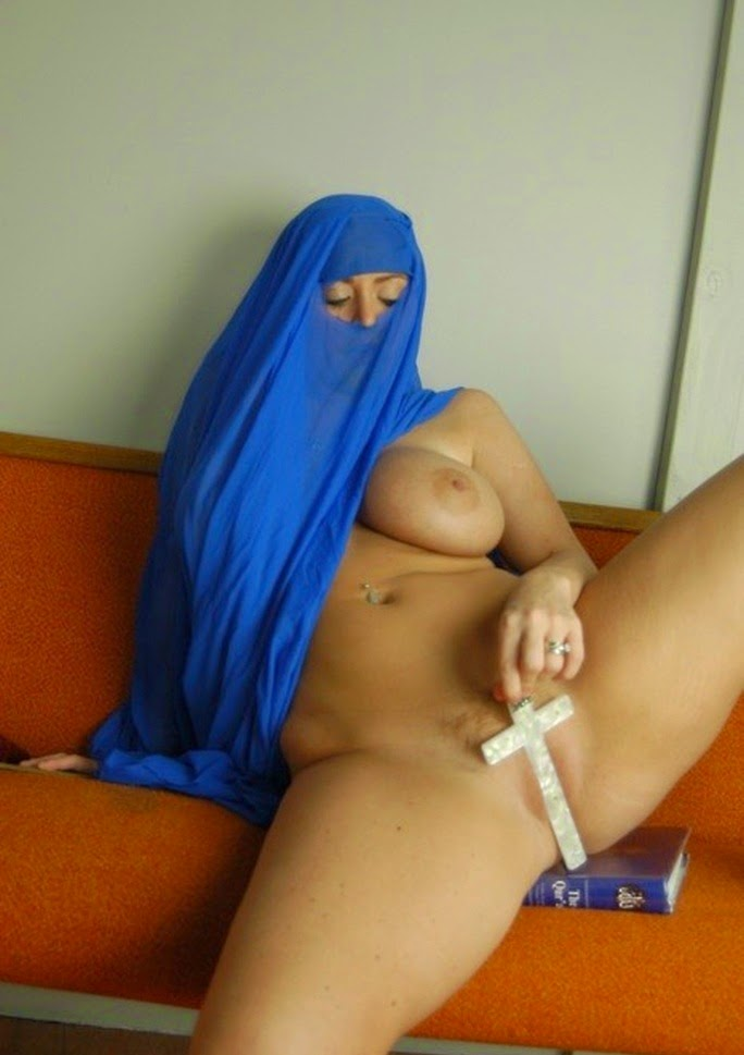 sexy horny arab women