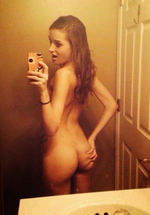 selfie eating brunette Amateur pussy