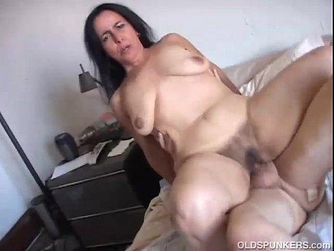 Beautiful mature women fucking