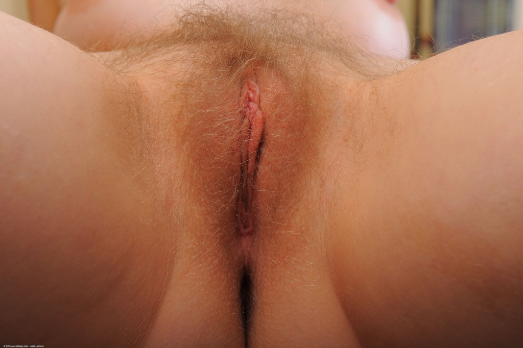 natural woman girls pussy hairy Wow