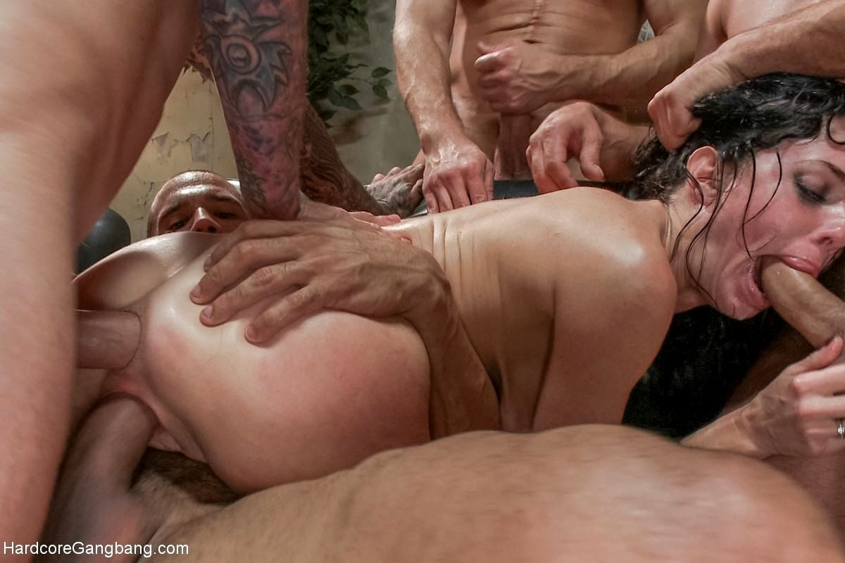 group blowjob Gangbang