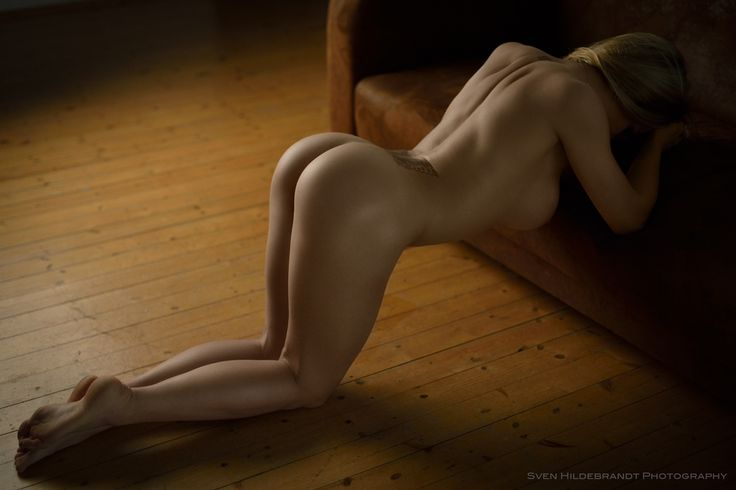 nude view girl Naked rear