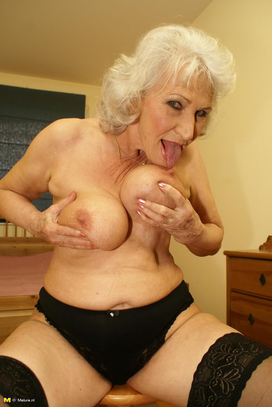 porn solo Mature granny
