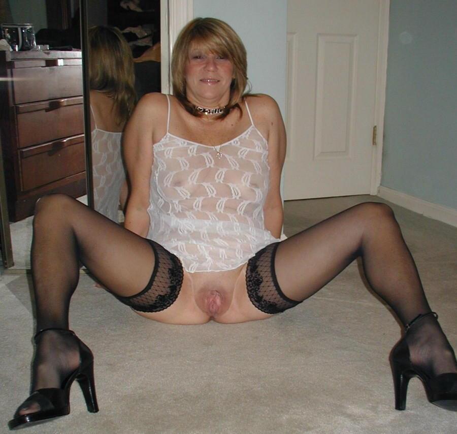 woman Amateur lingerie mature
