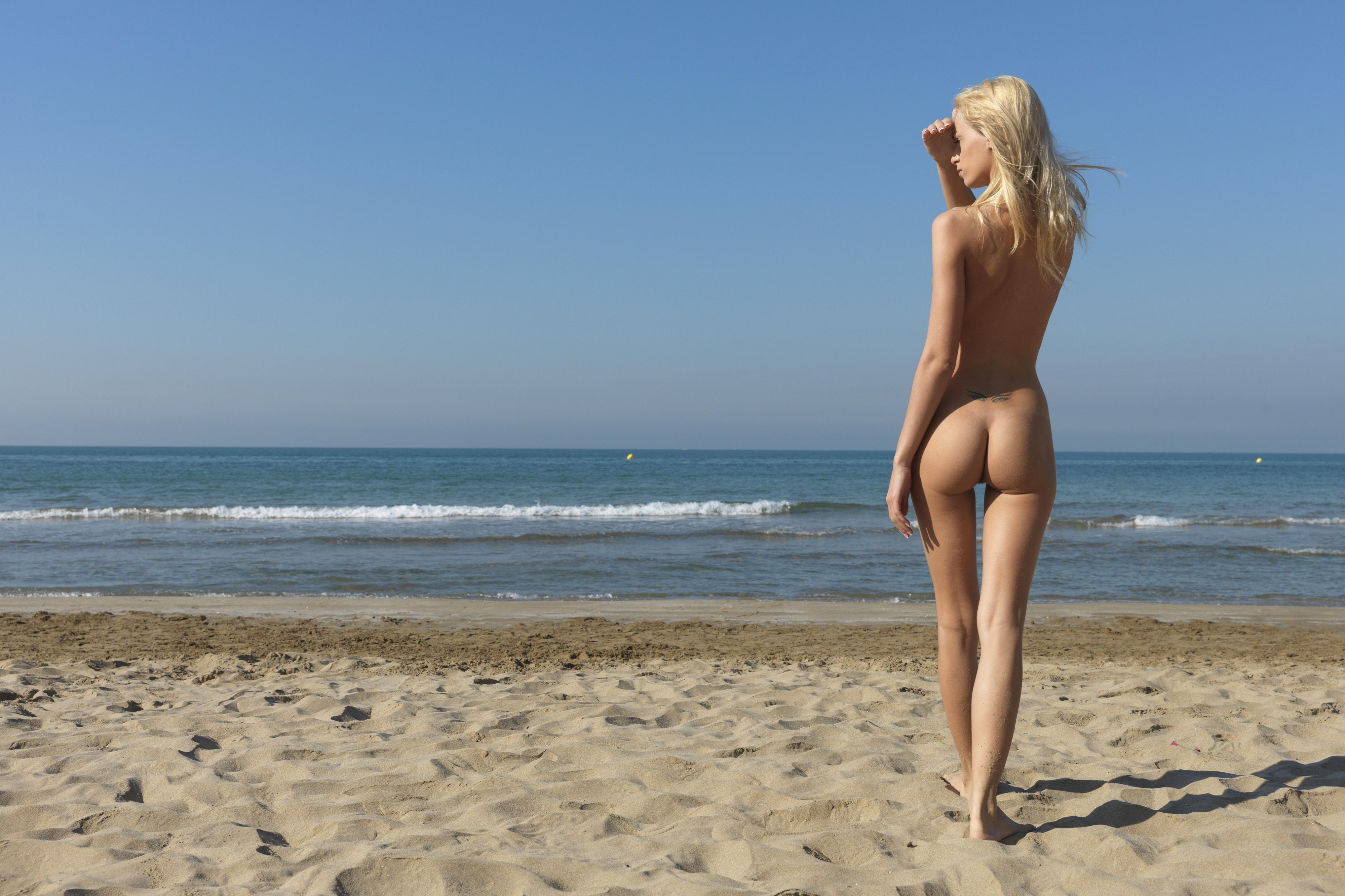 girls beach Blonde nude