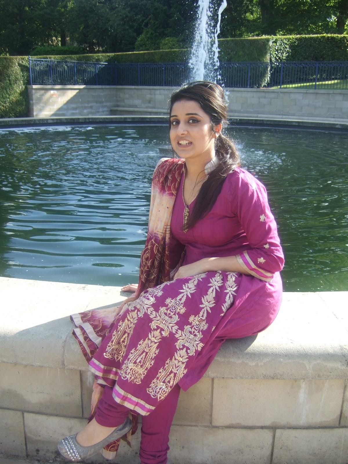 desi Delhi girls sexy