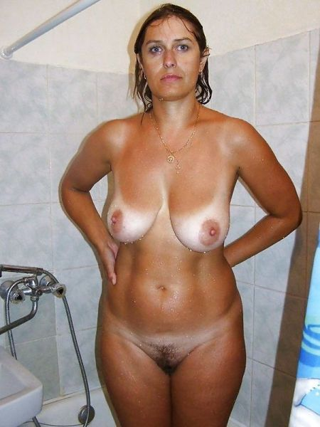 line tan Mature tits small