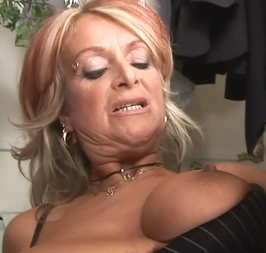 woman cumming Cougar