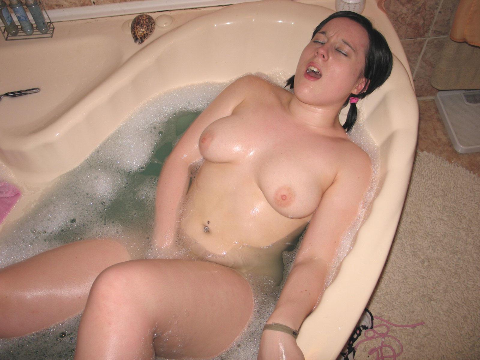 girls bathroom Naked