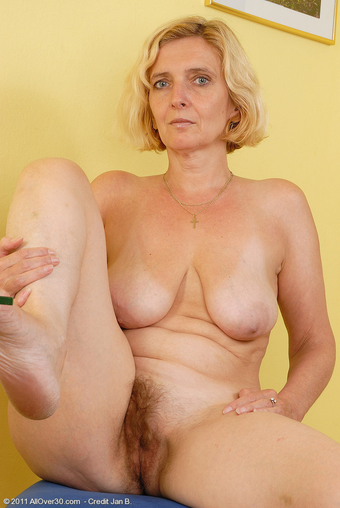 nude blonde grannies Sexy