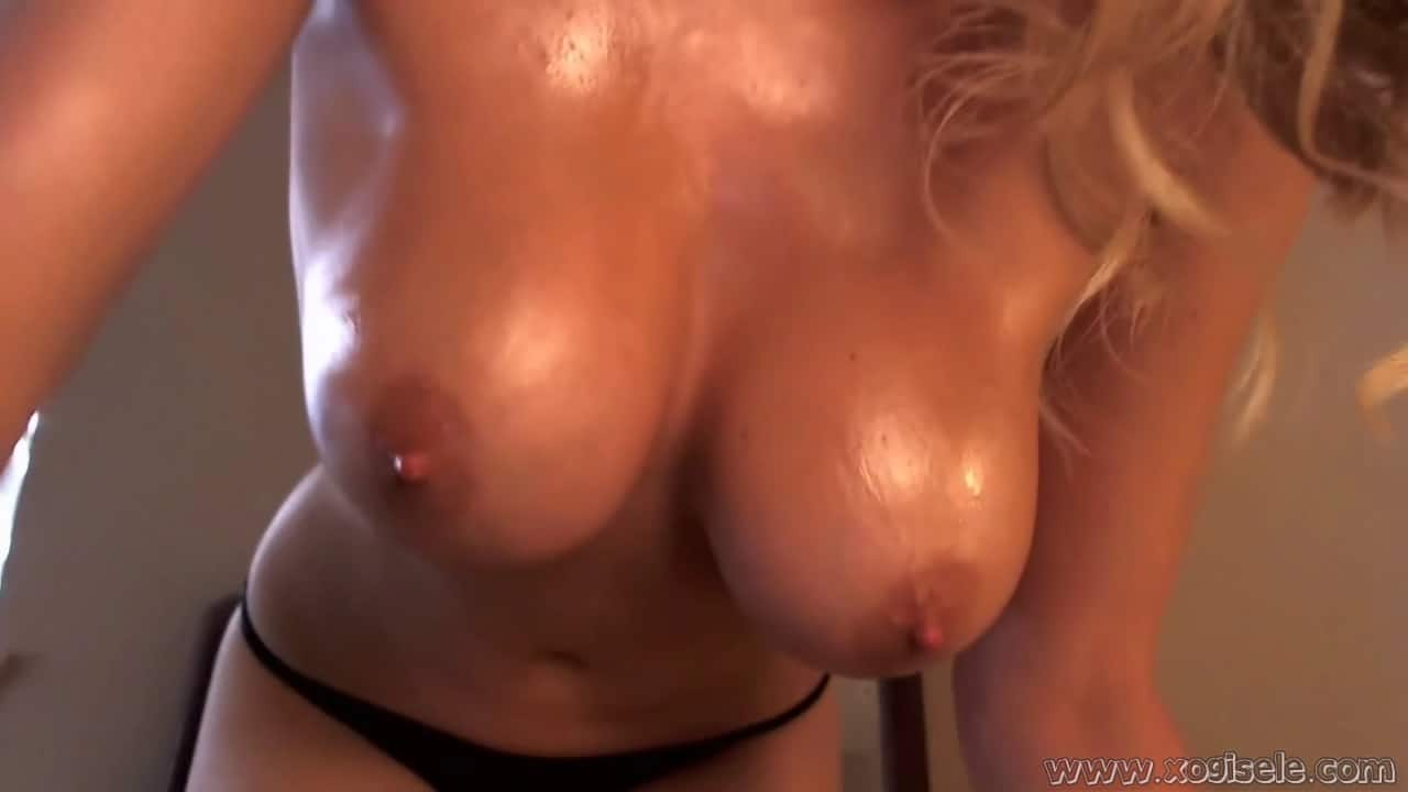 naked Big wet boobs