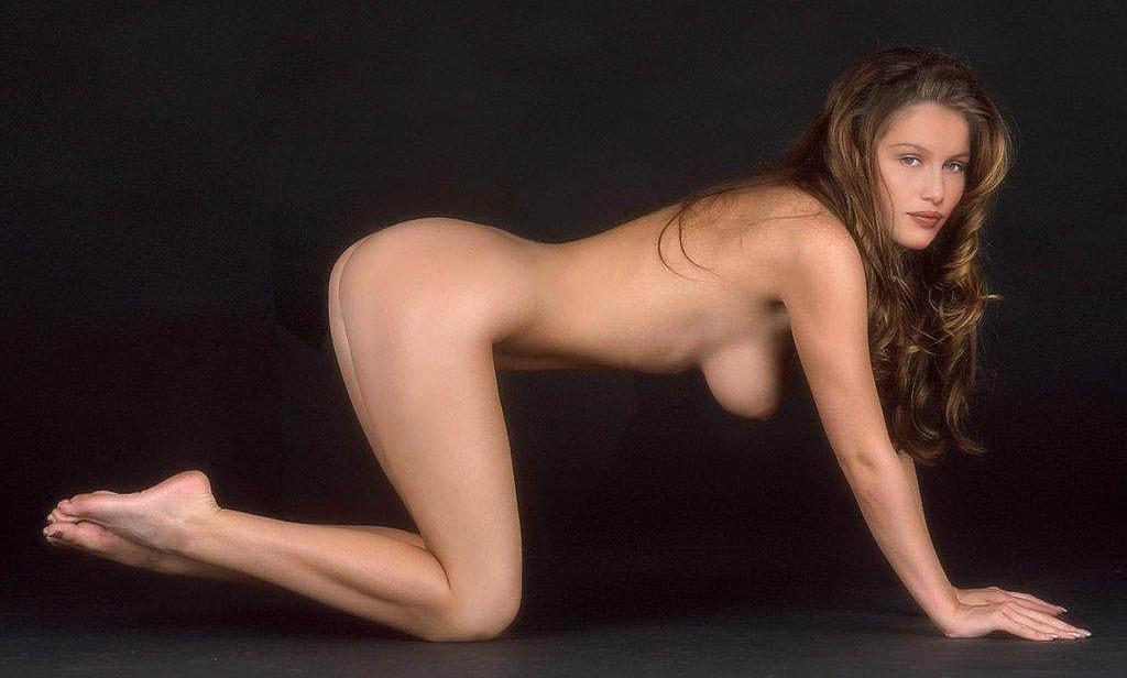 wiggins nude laura Shameless
