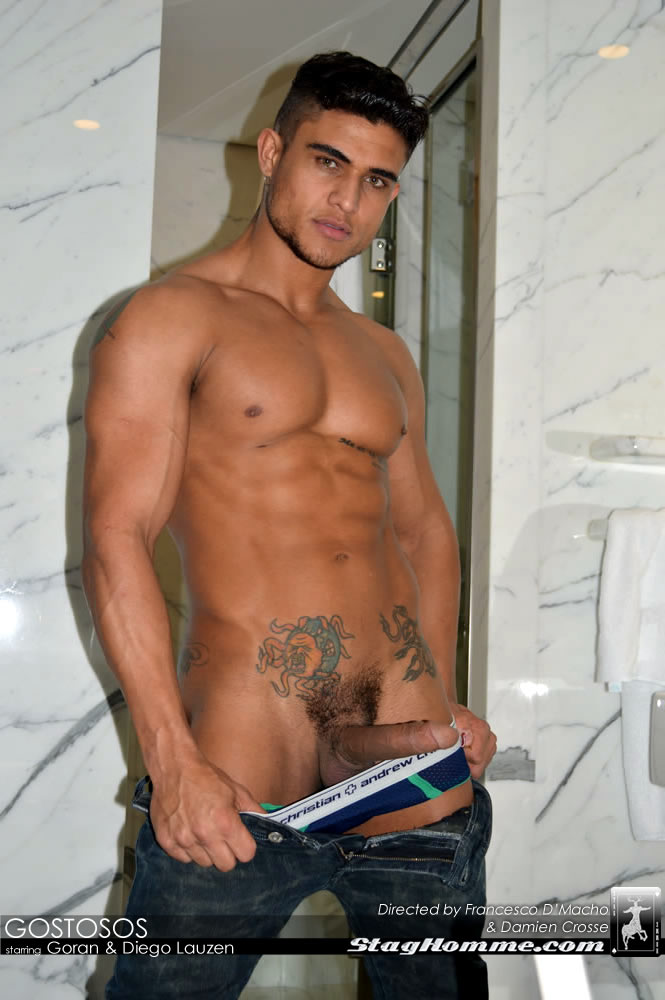 naked Brazilian muscle men