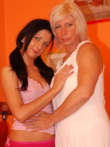 blonde Hot lesbians horny