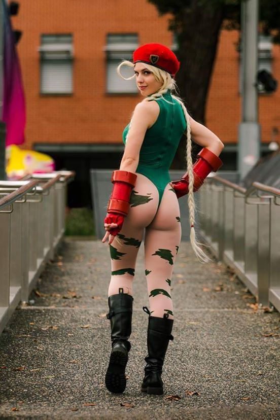 ass Street fighter cammy cosplay