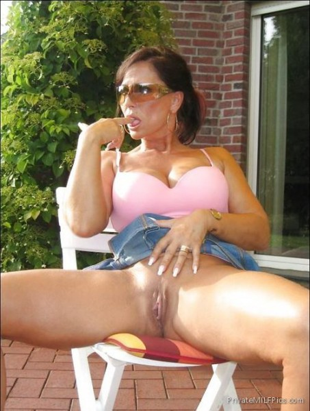 flashing pussy Mom her