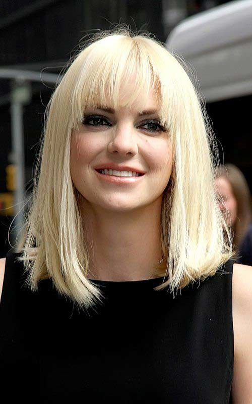 color Anna faris hair