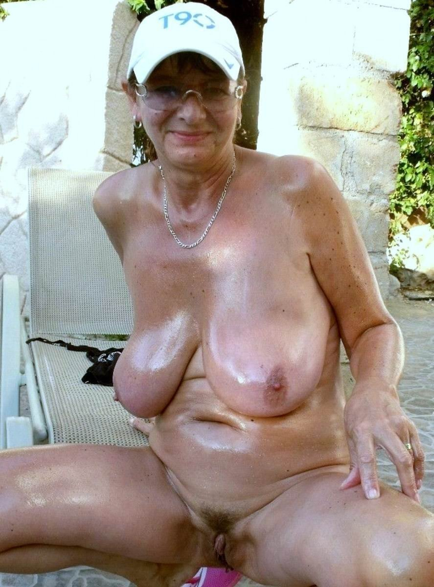 tits Grannies saggy
