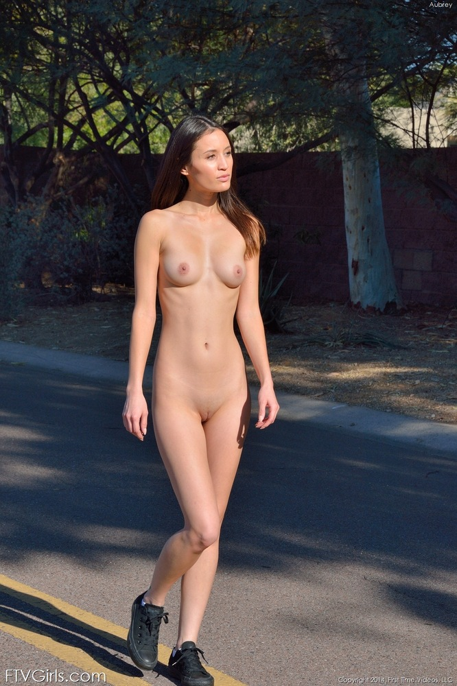 naked on the Ftv streets girls