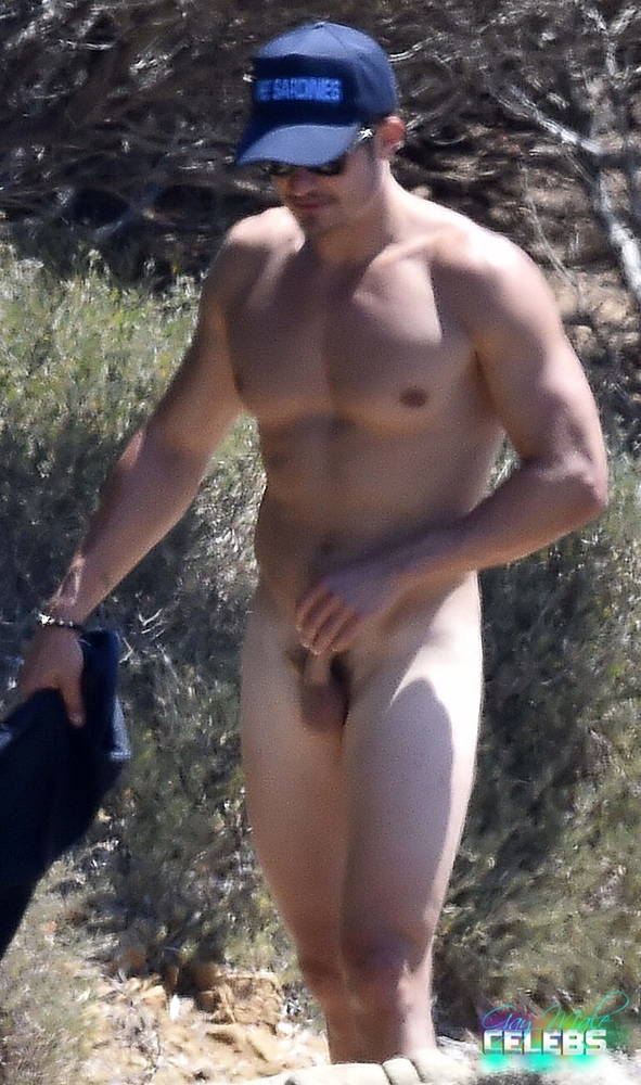 beach Full frontal nude