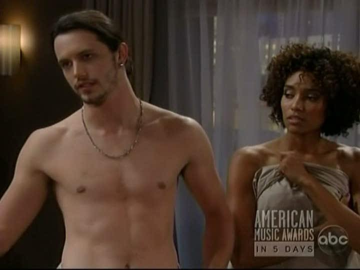 gay nude hemsworth Liam