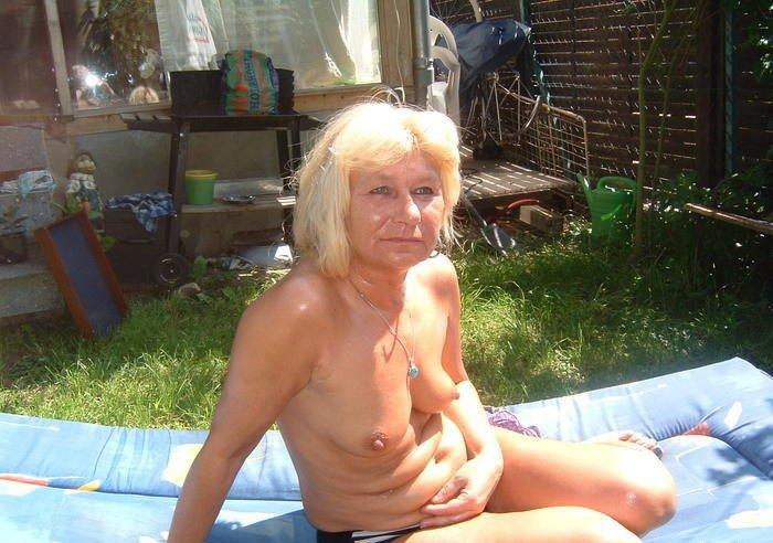 women Tumblr nude mature naked