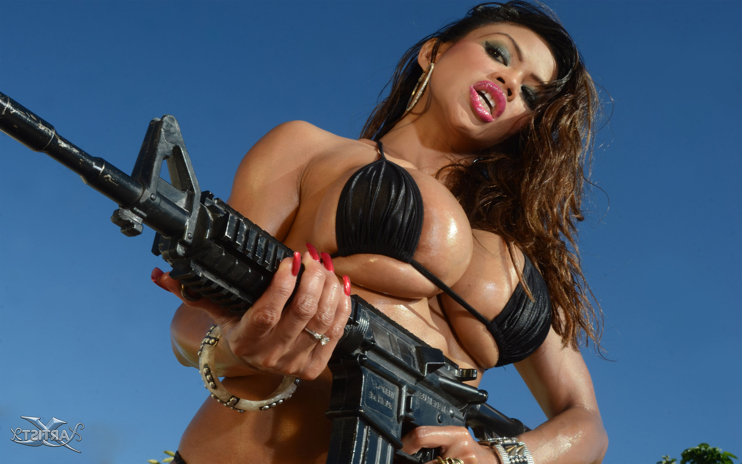 guns Sexy with nude girls