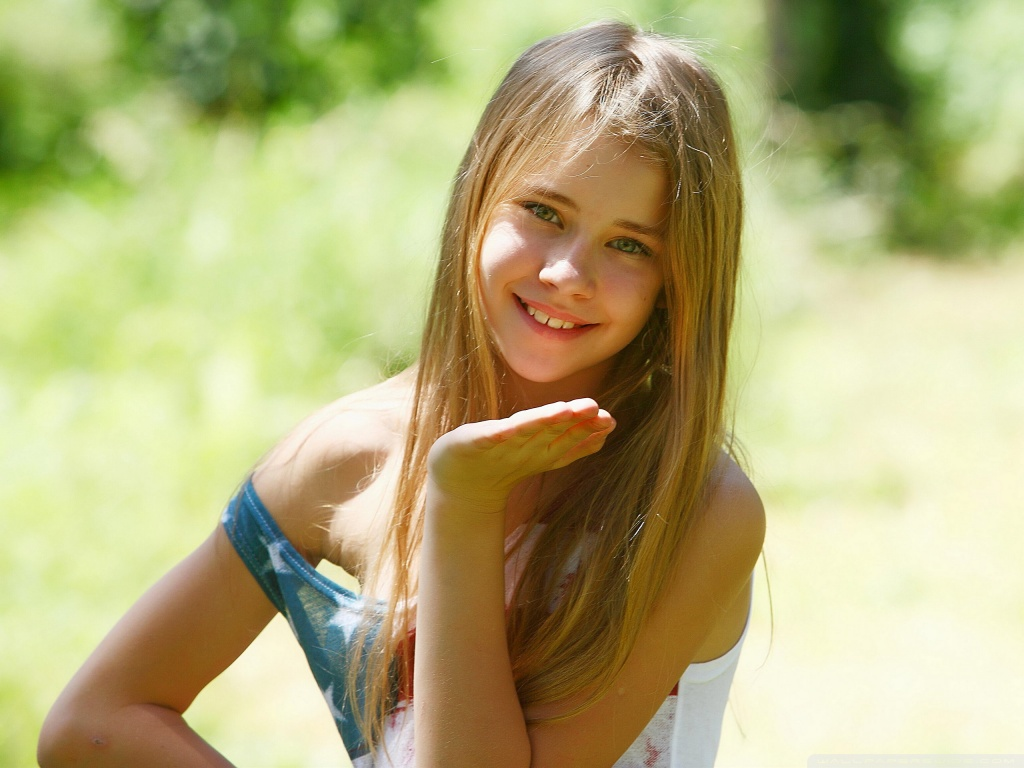 girl Cute blonde model young