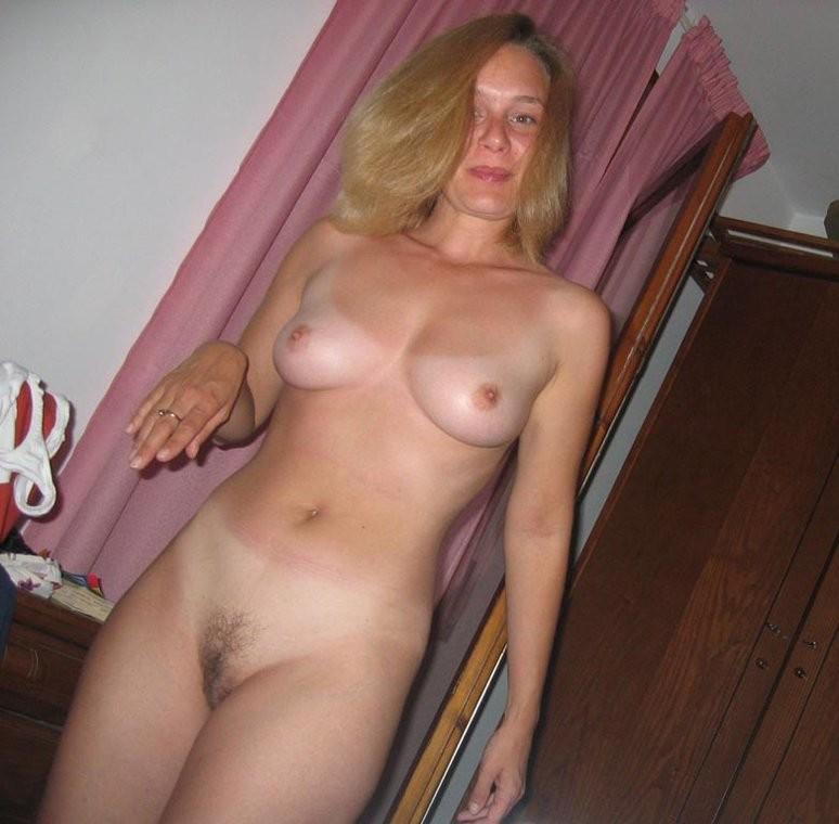 Blond wife nude